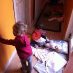 Malia & Alvina leger med dukker